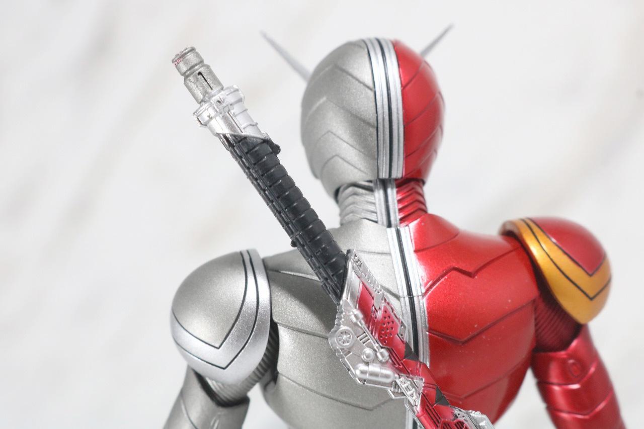S.H.フィギュアーツ 仮面ライダーW ヒートメタル 真骨彫製法 レビュー 付属品 メタルシャフト