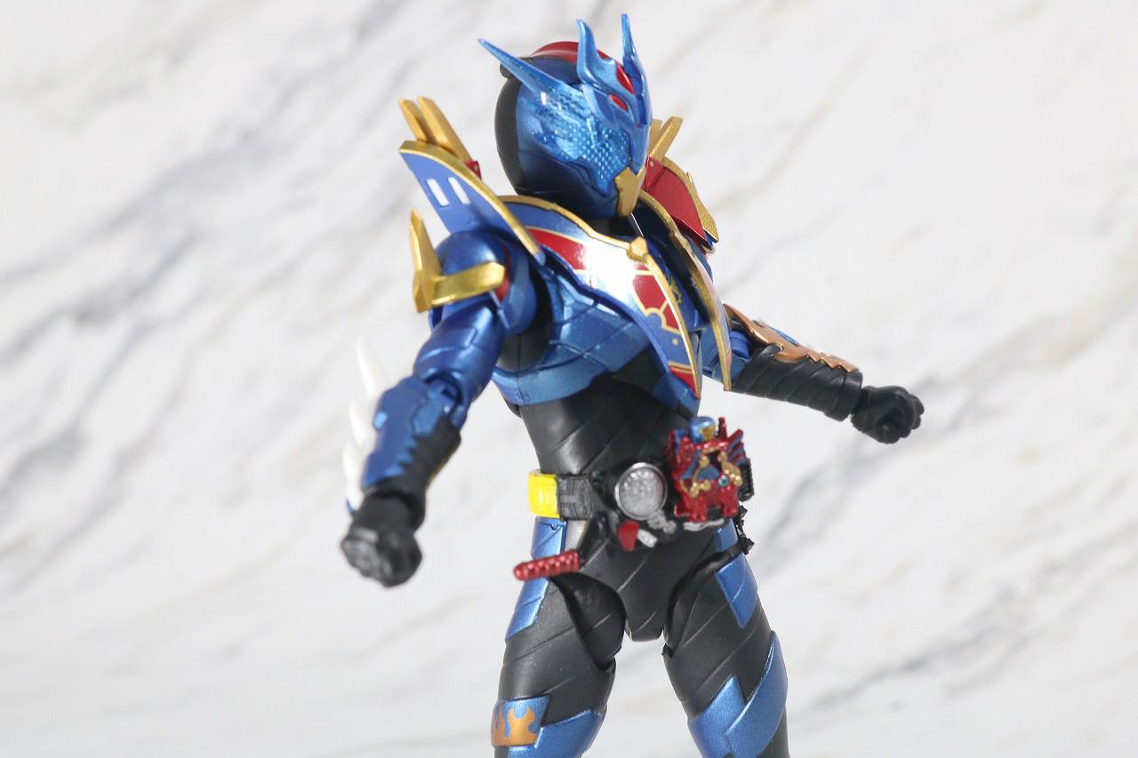 S.H.フィギュアーツ 仮面ライダーグレートクローズ レビュー 可動範囲