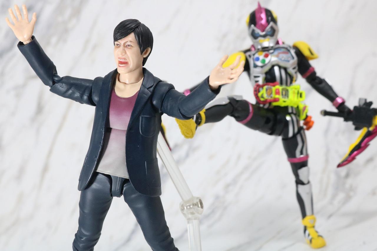 S.H.フィギュアーツ 新檀黎斗 ~新たな哀と楽~ レビュー アクション 仮面ライダーレーザーターボ