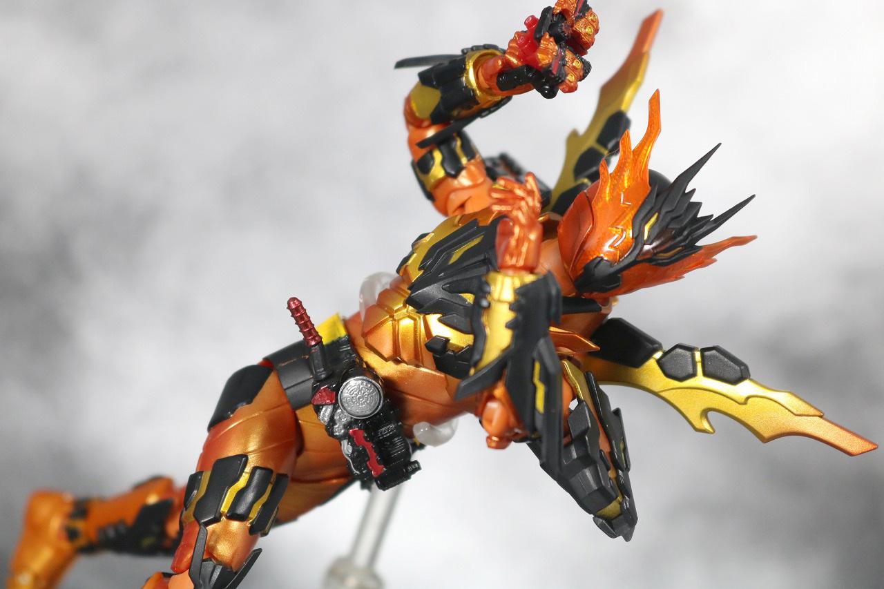 S.H.フィギュアーツ 仮面ライダークローズマグマ レビュー アクション