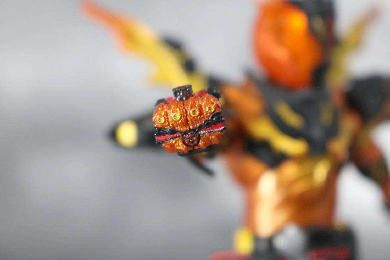 S.H.フィギュアーツ 仮面ライダークローズマグマ レビュー 付属品 クローズマグマナックル