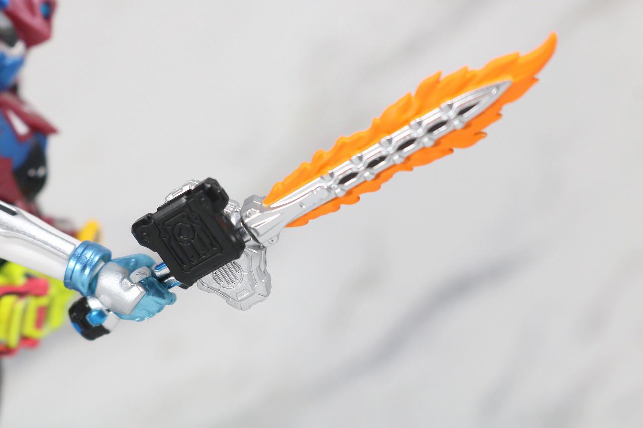 S.H.フィギュアーツ 仮面ライダーブレイブ ファンタジーゲーマー レベル50 レビュー 付属品 ガシャコンソード