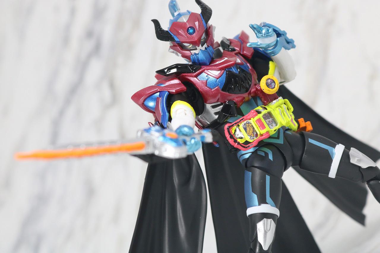 S.H.フィギュアーツ 仮面ライダーブレイブ ファンタジーゲーマー レベル50 レビュー アクション