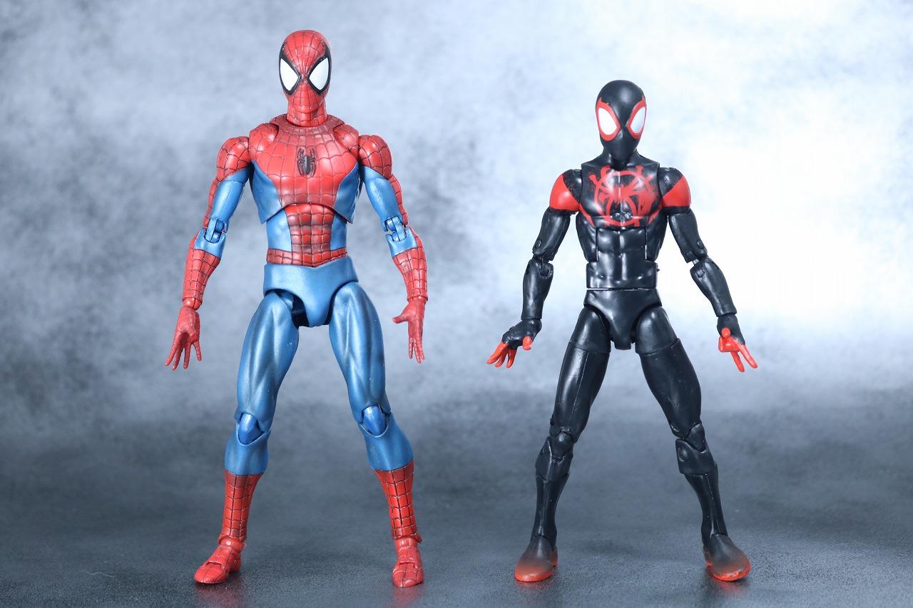 マーベルレジェンド スパイダーマン マイルズ・モラレス スパイダーバース レビュー 全身 MAFEX スパイダーマン COMIC 比較