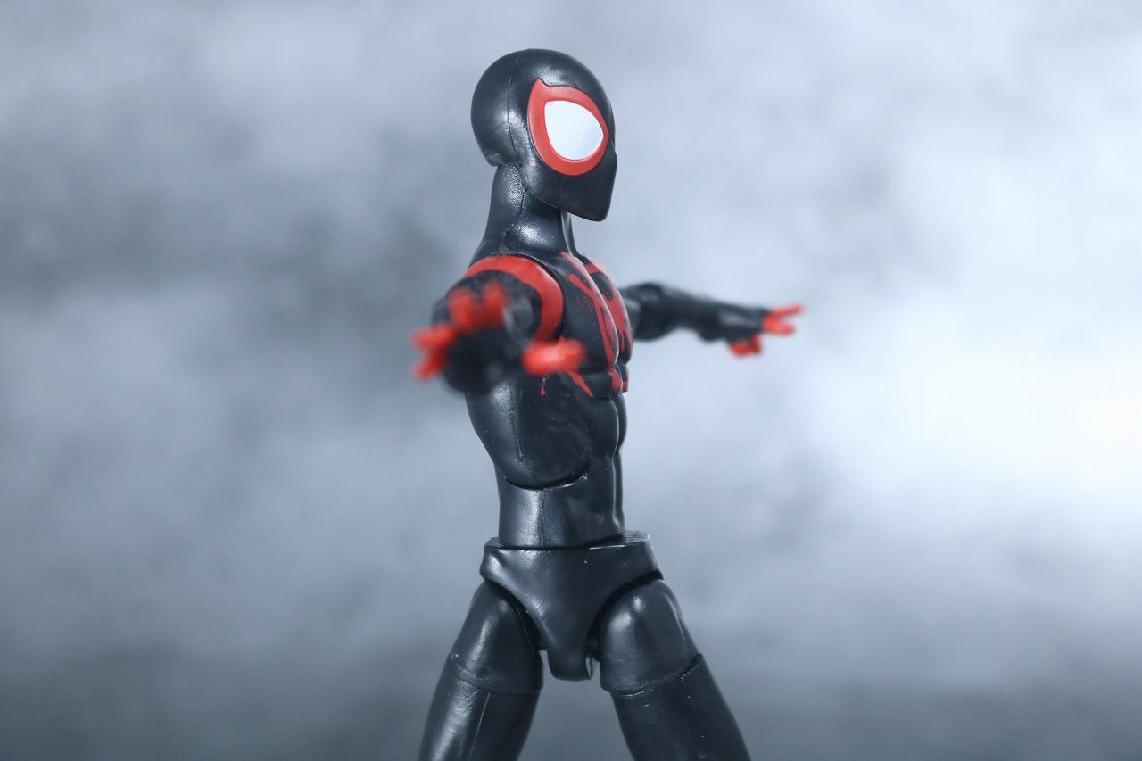 マーベルレジェンド スパイダーマン マイルズ・モラレス スパイダーバース レビュー 可動範囲