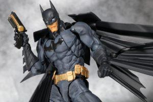 『ザ・バットマン』、ロバート・パティンソンが新バットマンか? - ニコラス・ホルトとの一騎打ちとも