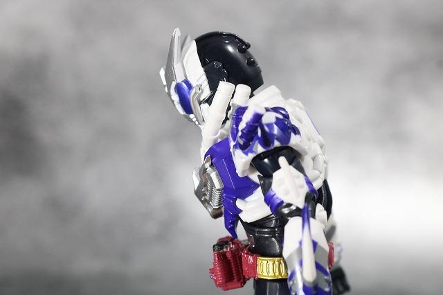 S.H.フィギュアーツ 仮面ライダーマッドローグ レビュー 可動範囲