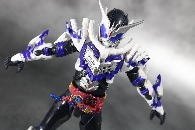 S.H.フィギュアーツ 仮面ライダーマッドローグ レビュー アクション