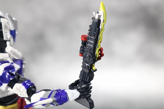 S.H.フィギュアーツ 仮面ライダーマッドローグ レビュー 付属品 ストームブレード