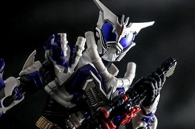 S.H.フィギュアーツ 仮面ライダーマッドローグ レビュー