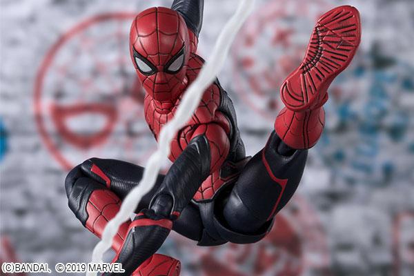公式が回答!『スパイダーマン:FFH』のアップグレードスーツはだれが作ったのか?