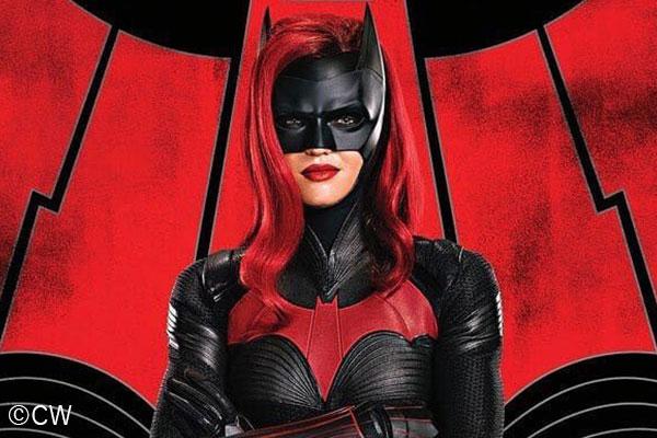 DCドラマ『バットウーマン』の予告編が公開!荒廃したゴッサムシティでバットマンの意思を継ぐ!