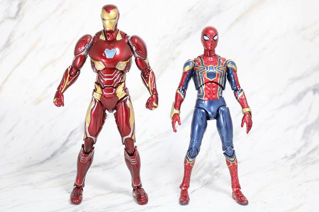 MAFEX アイアン スパイダーマン レビュー 全身 S.H.フィギュアーツ アイアンマン マーク50 比較