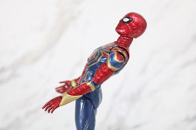 MAFEX アイアン スパイダーマン レビュー 可動範囲