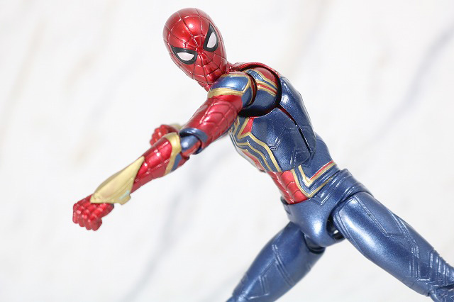 MAFEX アイアン スパイダーマン レビュー アクション
