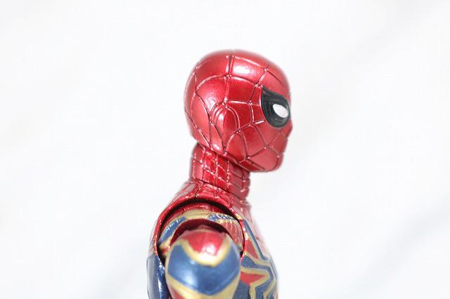 MAFEX アイアン スパイダーマン レビュー 付属品 差し替え頭部