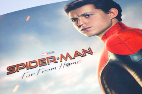 トム・ホランド、MCU『スパイダーマン3』スーツ姿の写真を共有! - 12月には予告編の噂も
