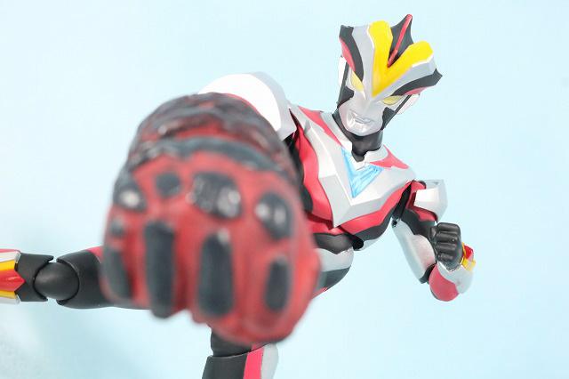 S.H.フィギュアーツ ウルトラマンビクトリー レビュー アクション EXレッドキングナックル
