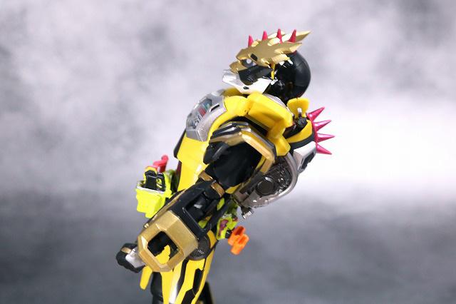 S.H.フィギュアーツ 仮面ライダーレーザー チャンバラバイクゲーマー レベル3 レビュー 可動範囲