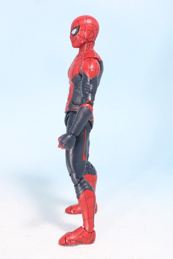 S.H.フィギュアーツ スパイダーマン アップグレード・スーツ(ファー・フロム・ホーム) レビュー 全身