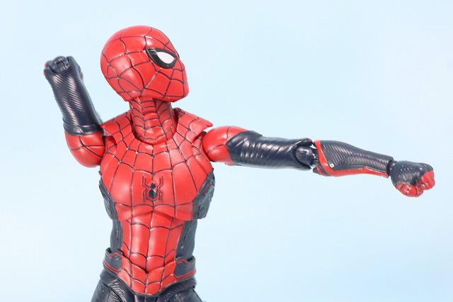 S.H.フィギュアーツ スパイダーマン アップグレード・スーツ(ファー・フロム・ホーム) レビュー 可動範囲