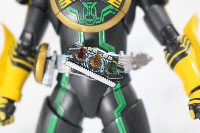 S.H.フィギュアーツ 仮面ライダーオーズ タトバコンボ 真骨彫製法 全身 オーズドライバー コアメダル