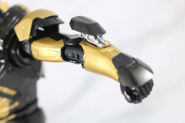S.H.フィギュアーツ アイアンマン マーク20 パイソン レビュー 付属品 腕 小型ミサイル