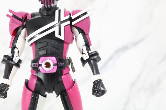 S.H.フィギュアーツ 仮面ライダーディケイド ネオディケイドライバー 真骨彫製法 レビュー 全身
