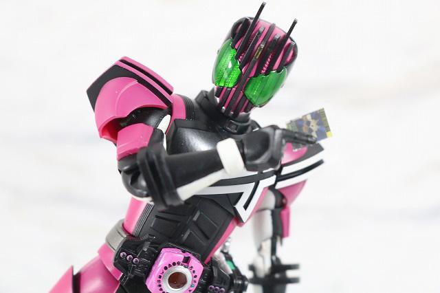 S.H.フィギュアーツ 仮面ライダーディケイド(ネオディケイドライバーVer.) 真骨彫製法 レビュー