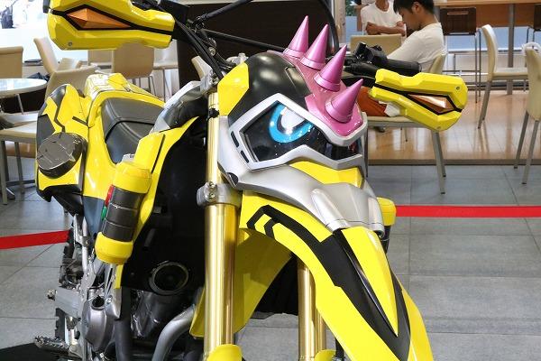Honda ウエルカムプラザ青山 仮面ライダーマシン特別展示 仮面ライダーエグゼイド 仮面ライダーレーザー