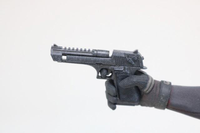 ホットトイズ ムービーマスターピース デッドプール 灰まみれ レビュー 付属品 東京コミコン限定 拳銃