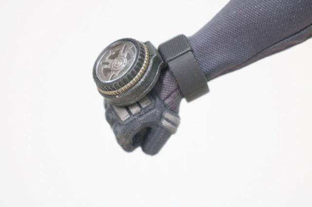 ホットトイズ ムービーマスターピース デッドプール 灰まみれ レビュー 付属品 東京コミコン限定 能力抑制装置