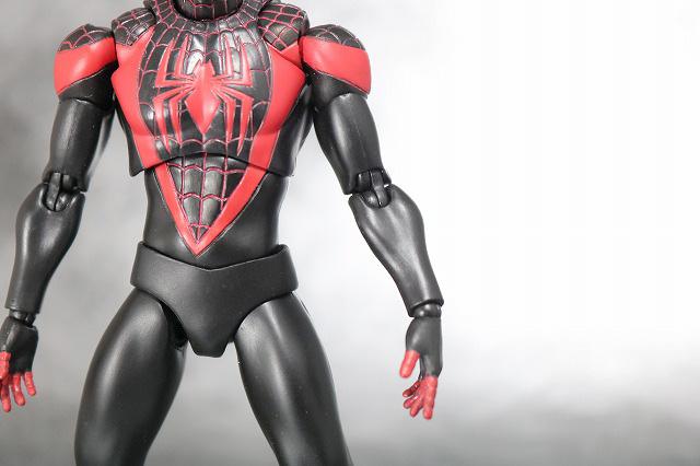MAFEX スパイダーマン マイルス・モラレス 全身