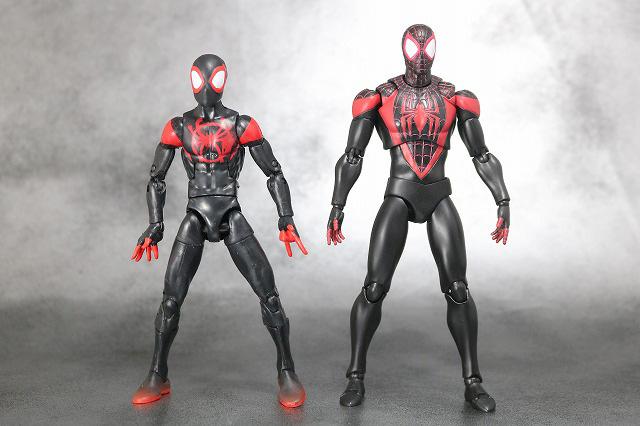 MAFEX スパイダーマン マイルス・モラレス 全身 マーベルレジェンド 比較