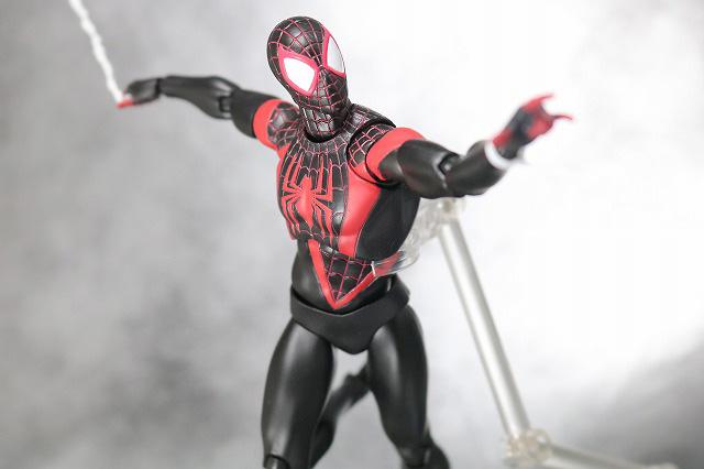 MAFEX スパイダーマン マイルス・モラレス アクション