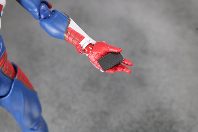 S.H.フィギュアーツ スパイダーマン アドバンス・スーツ(Marvel's Spider-Man) レビュー 付属品 スマートフォン