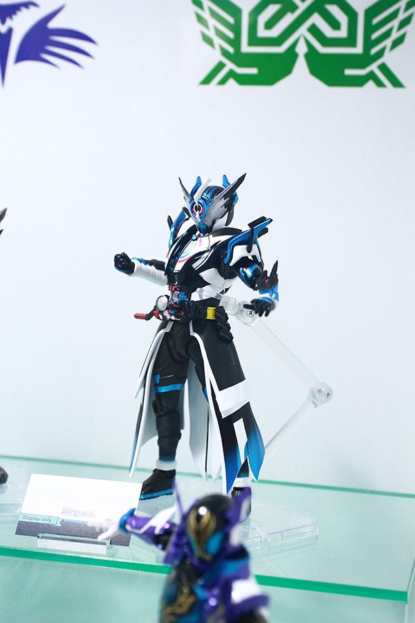 S.H.フィギュアーツ 仮面ライダークローズエボル メタルビルド 魂ネイション2019