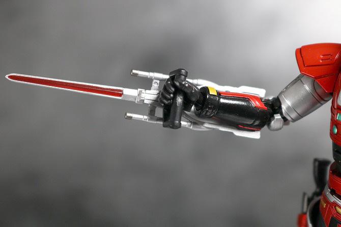 S.H.フィギュアーツ ファイヤー 特警ウインスペクター レビュー 付属品 マックスキャリバー