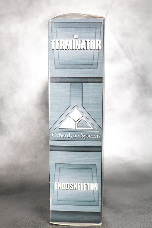 NECA T-800 エンドスケルトン ターミネーター2 レビュー パッケージ