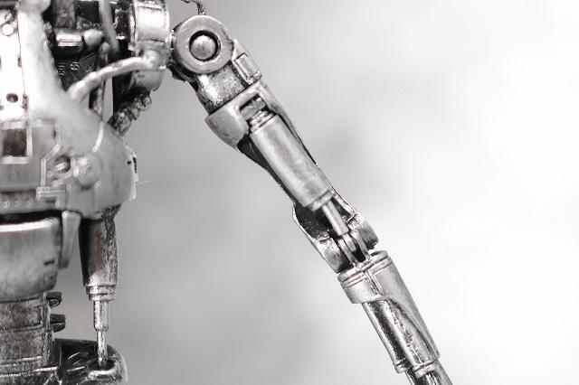 NECA T-800 エンドスケルトン ターミネーター2 レビュー 可動範囲