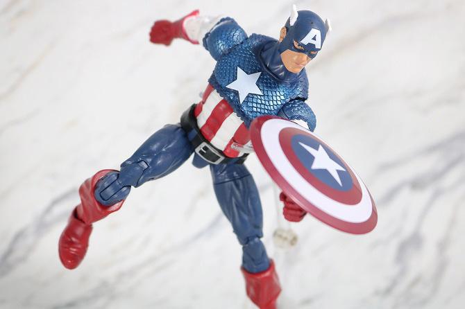 マーベルレジェンド キャプテンアメリカ(Marvel Comics 80th Anniversary) レビュー アクション