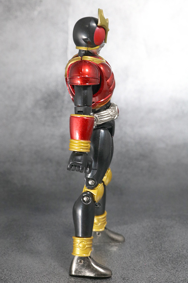 装着変身 仮面ライダークウガ マイティフォーム&グローイングフォーム レビュー マイティフォームの全身