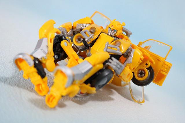 TFスタジオシリーズ SS-16 バンブルビー レビュー ロボットモード アクション