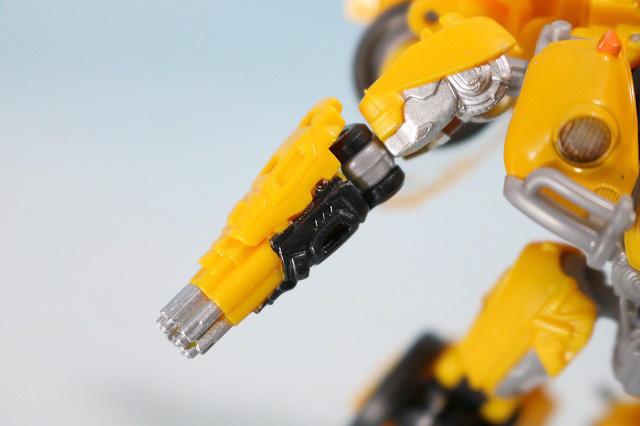 TFスタジオシリーズ SS-16 バンブルビー レビュー ロボットモード 付属品 ガトリング