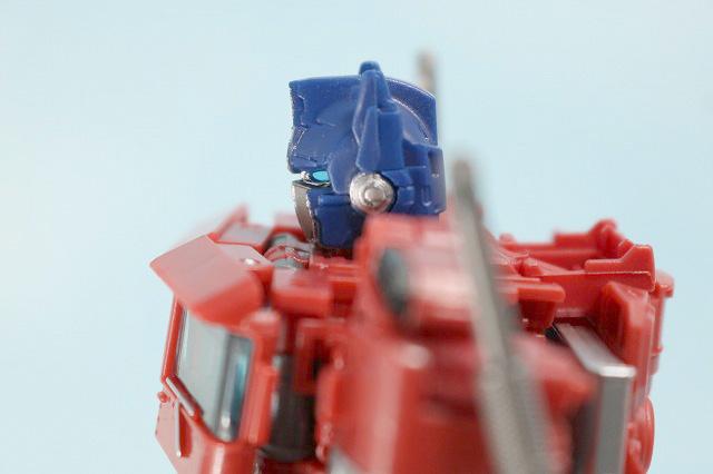 TF スタジオシリーズ SS-30 オプティマスプライム レビュー ロボットモード 可動範囲