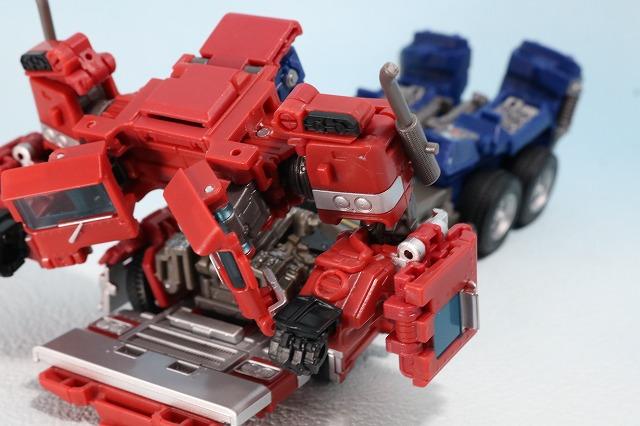 TF スタジオシリーズ SS-30 オプティマスプライム レビュー ビークルモード ロボットモード 変形