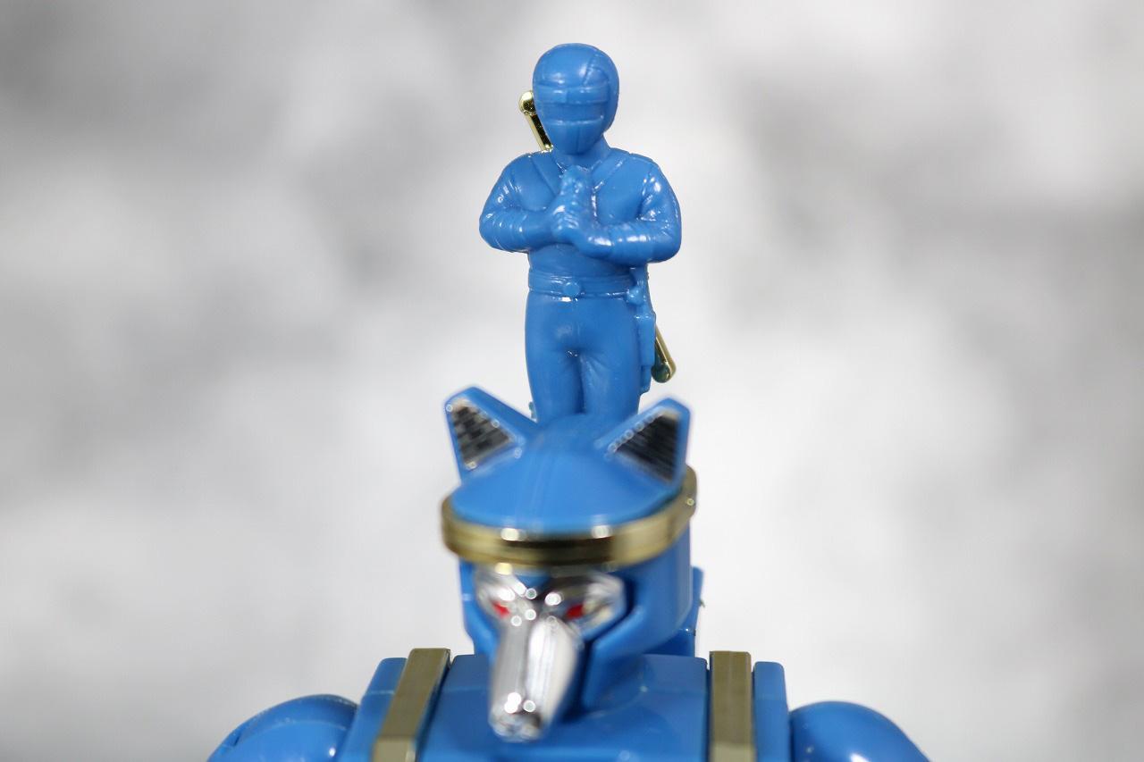 プラデラ 獣将ファイター バトルロウガン レビュー 付属品 ニンジャブルー 台座