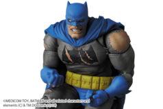MAFEX新作!『The Dark Knight Triumphant』版バットマンが2021年1月発売!白髪ブルースの頭部付き!