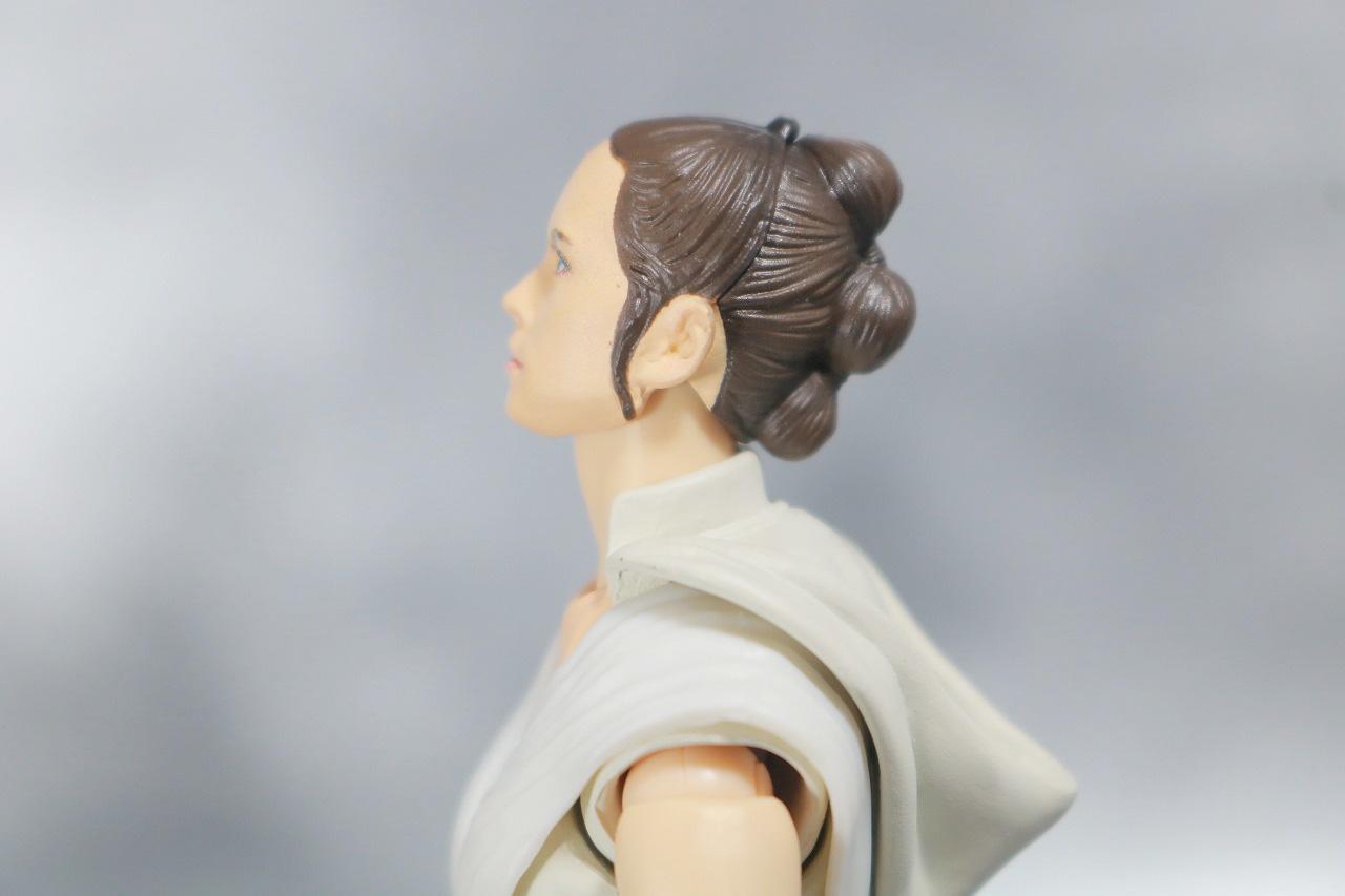 S.H.フィギュアーツ レイ (STAR WARS: The Rise of Skywalker) スカイウォーカーの夜明け レビュー 可動範囲