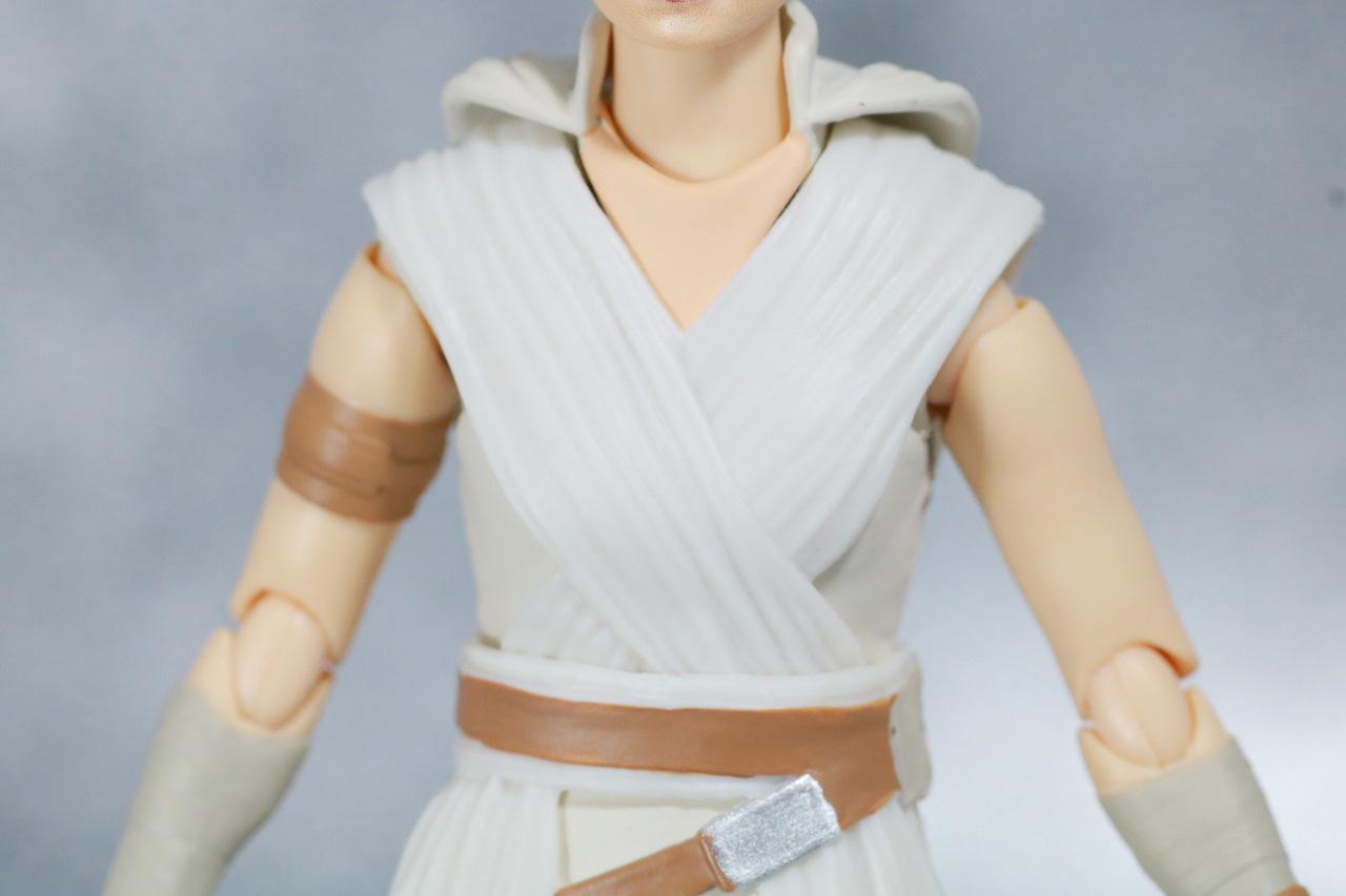 S.H.フィギュアーツ レイ (STAR WARS: The Rise of Skywalker) スカイウォーカーの夜明け レビュー 全身